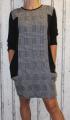 Dámské teplejší šaty - černo-šedé kostky