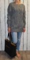 Dámský dlouhý pletený svetr - šedý