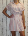 Dámské košilové šaty s páskem - pruhy - růžovo-bílé