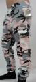 Dětské maskáčové tepláky s lehce spadlým sedem - růžové