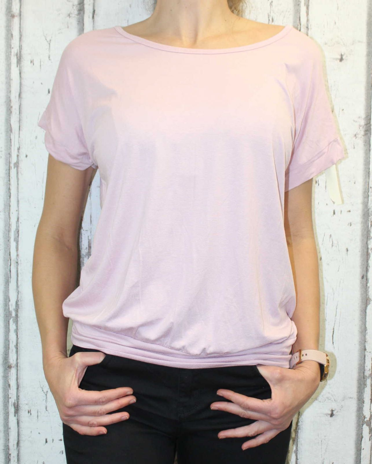 Dámské tričko krátký rukáv, tričko spadlá ramena, dámské volné triko, pohodlné dámské tričko, dámská tunika, tunika s průstřihem na zádech, volné tričko přes břicho, tričko s rantlem, starorůžové volné tričko Italy Moda