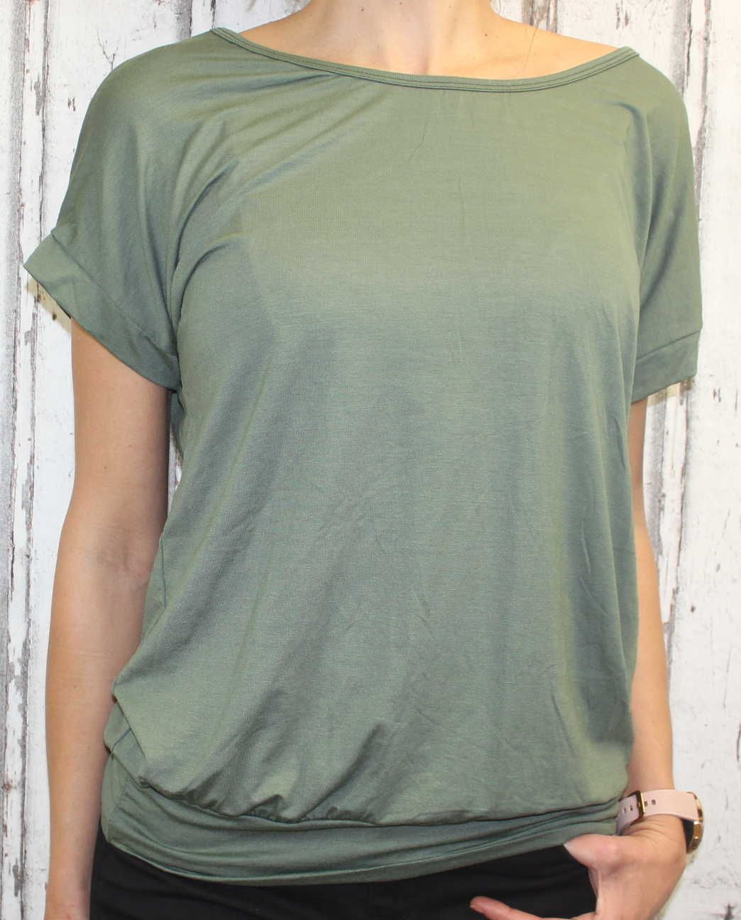 Dámské tričko krátký rukáv, tričko spadlá ramena, dámské volné triko, pohodlné dámské tričko, dámská tunika, tunika s průstřihem na zádech, volné tričko přes břicho, tričko s rantlem, khaki volné tričko Italy Moda