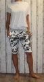 Dámské maskáčové kraťasy dámské baggy maskáčové kraťasy, šedé kraťasy, bavlněné kraťasy, bílo-šedé kraťasy Italy Moda