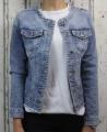 Dámská džínová bunda modrá, letní džínová bunda, džínová elastická bunda, modrá džíska, modrá džínová bundička, džínová bunda bez límce, světle modrá džíska, trhaná džíska | XS, S, XL