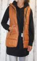 Dámská dlouhá vesta, dámská prošívaná vesta, dlouhá hnědá vesta, dámská vesta, hnědá vesta, vesta s kapucí Italy Moda