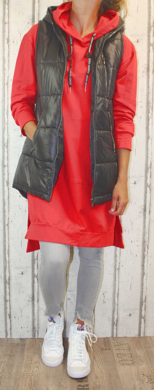 Dámská dlouhá vesta, dámská prošívaná vesta, dlouhá černá vesta, dámská vesta, černá vesta, vesta s kapucí Italy Moda