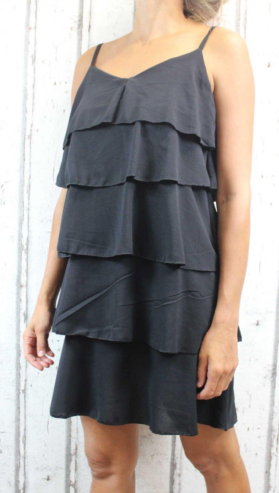 Dámské letní šaty, elegantní šaty, pohodlné šaty, černé elegantní šaty, černé koktejlové šaty, šaty s volány, šaty na ramínka Italy Moda