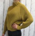 Dámský svetr, dámský oversize svetr, dámský krátký svetr, krátký teplý rolák, teplý žlutý svetr, teplý svetr, svetr se stojáčkem, dámský žlutý rolák, krátký žlutý svetr, dámský široký svetr